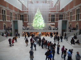 Holographic Christmas tree at the Rijksmuseum