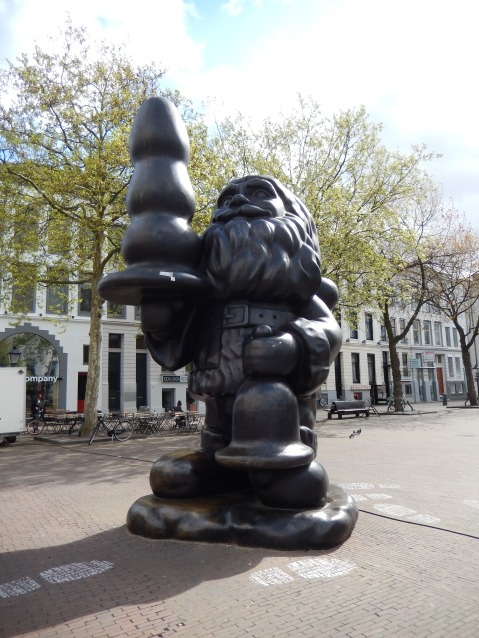 Official name: Santa Claus; nickname: The Buttplug (Rotterdam)