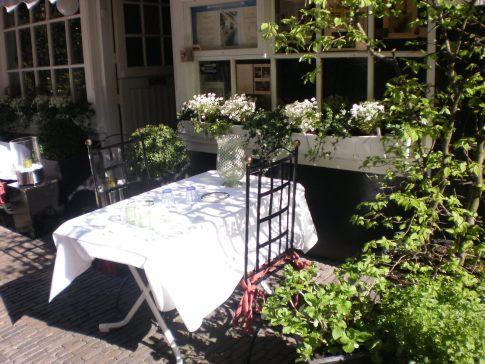 Lunch invitation in Leiden